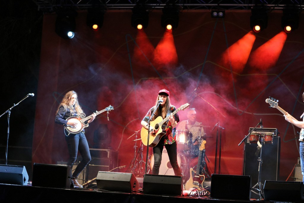 rockhampton river festival band performance